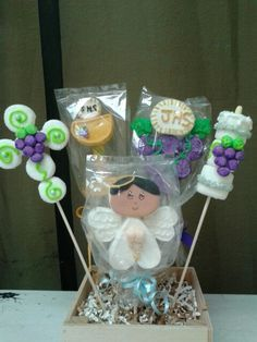 First Communion marshmallow pop more work on Facebook and Instagram under Marshmalloworks.