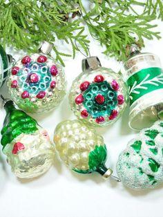 Vintage Shiny Brite Mercury Glass Christmas Ornaments USSR GDR Xmas Decor green | eBay! #vintage #christmas #ornaments #green Christmas Balls, Christmas Tree Ornaments, Feather Tree, Mercury Glass, Xmas Decorations, Vintage Christmas, Holiday Decor, Green, Ebay
