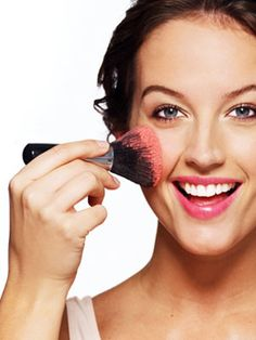 Check out these 5 essential #makeup #brushes every woman should have in her makeup bag #beauty