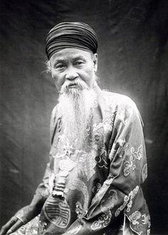 René Tétard, le régent Tôn Thất Hân (quan Thượng thư Bộ binh )