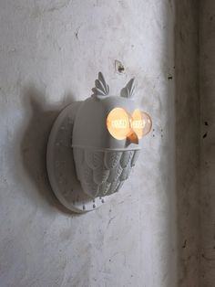 """Vedo"""" (meaning """"I see you"""", in Italian) is a lamp shaped like a owl, imagined by designer Matteo Ugolini for the brand Karman which Table Sofa, Table Lamp, Supreme Furniture, Milan Furniture, Plywood Furniture, Modern Furniture, Furniture Design, Ceramic Wall Lights, Keramik Design"""
