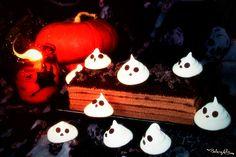 Ad Halloween cosa c'è di più spaventoso di visitare un cimitero infestato?! Troppa paura? Allora mangiamocelo!