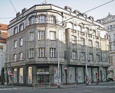 Prague cubism, Diamant building