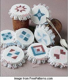 Free pattern: Quilt Jar Covers