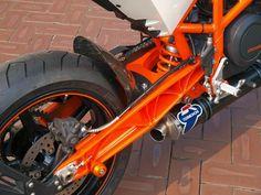 "KTM Duke 690 ""RS"" by Steve Motorcycle Supply"