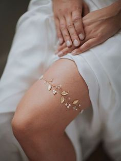 The Iverness Garter is one of our favourites. Perfect for the ethereal bride. See more here: https://www.davieandchiyo.com/collections/bridal-garters/products/iverness-garter