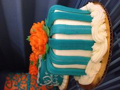 Mini Cakes make awesome centerpieces! www.marketstreetdiner.com
