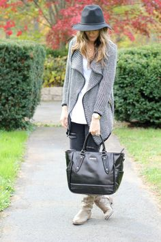 Repin to Win Competition! In order to be in with a chance of winning $1,000 in Lily-Jade Bags, visit our Pinterest Boards and repin any of our bag photos, tagging a friend each time (only your first 6 entries will be counted) Winner Announced Black Friday! @jenndaugherty17 This is a great @lilyjadeco bag!