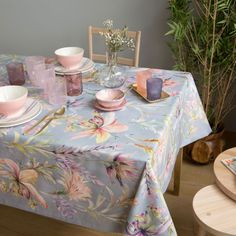 Flower Print Tablecloth (Easy Care) - Tablecloths and Napkins - Tableware Zara Home Table, Cloth Flowers, Interior Exterior, Interior Design, Kitchen Linens, Diy Home Decor Projects, Table Covers, Soft Colors, Table Runners