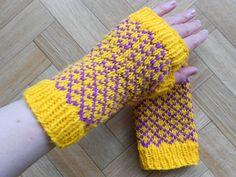 Ravelry: Diamonds Fingerless Gloves pattern by Lea Bronnenkant
