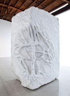Giuseppe Penone Anatomia / Anatomy, 2011 White Carrara marble 124 × 77 × 62 inches × × cm) © Giuseppe Penone Photo by Benjamin Lee Ritchie Handler Modern Art Sculpture, Hand Sculpture, Stone Sculpture, Land Art, Giuseppe Penone, Gagosian Gallery, Neo Dada, Art Brut, Digital Painting Tutorials