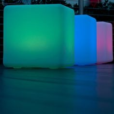 Cube 17 - Outdoor Portable LED Lamp | Smart & Green http://www.lightkulture.com/p-1244-cube-17-outdoor-portable-led-lamp-smart-green.aspx