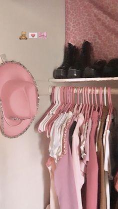 Room Ideas Bedroom, Bedroom Inspo, Bedroom Decor, Aesthetic Room Decor, Pink Aesthetic, Aesthetic Indie, Dream Rooms, Dream Bedroom, Looks Country