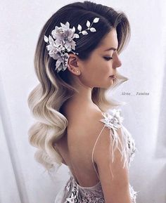 35 fabulous ideas for long bridal hair waves for 2018 - Frauen Frisuren - Hochsteckfrisur Long Hair Wedding Styles, Wedding Hairstyles For Long Hair, Hair Comb Wedding, Wedding Hair And Makeup, Wedding Beauty, Short Hair Styles, Hair Makeup, Trendy Wedding, Diy Wedding