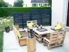 Diy Wooden Pallet Furniture Bed 19 Complete Patio Furniture Set Made From Wooden Pallets Makespace 39 Insanely Smart And Creative Diy Outdoor Pallet Furniture Designs Pallet Patio Furniture, Garden Furniture, Diy Furniture, Outdoor Furniture Sets, Recycled Furniture, Lounge Furniture, Furniture Plans, Furniture Projects, Modern Furniture