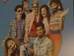 Click here to watch the second dramatic trailer of the Saved by the Bell movie!