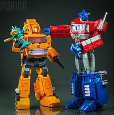 Transformers Masterpiece MP-35 Grapple and Masterpiece Optimus Prime