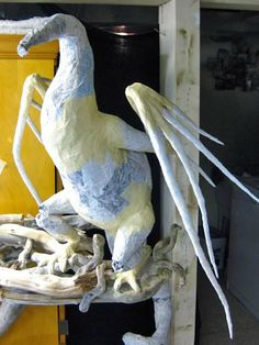 PAPER MACHE BLOG: New Paper Mache Dragon- more assembly!