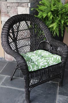 Wicker chair makeover...Doing the same thing to the wicker furniture on my porch...changing from white to black....LOVE IT!!!