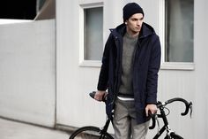 QWSTION – Jackets – collection of minimalist organic coats and bomber jacket liner for work & leisure, based on lightweight, weather-proof CottonShell®. High Fashion, Winter Fashion, Mens Fashion, Garment Manufacturing, Fitness Fashion, Bomber Jacket, Normcore, Weather, Navy