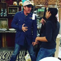 Is it me or does @chippergaines have a little Elvis going on here? #FixerUpper #SeasonThreeIsComing
