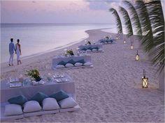 un mariage au bord de la mer ... quoi de plus romantique ... wedding at the seaside !!!