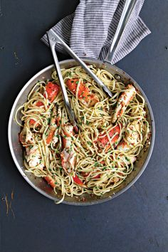 Linguine with Crab in Spicy White Wine Sauce | SAVEUR