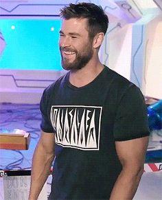 Chris Hemsworth Hottest Male Celebrities, Celebs, Chris Hemsworth Gif, Hemsworth Brothers, Australian Actors, Beard Styles For Men, Perfect Man, Haircuts For Men, Bearded Men