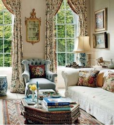 51 + Comfy French Country Living Room Decor - Home By X French Country Kitchens, French Country Bedrooms, French Country Living Room, French Country Cottage, Country Farmhouse Decor, Country Victorian Decor, French Country Furniture, Country Chic, Living Room Decor Country