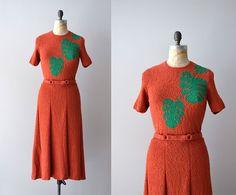 I NEED THIS DRESS!! 1930s dress / boucle wool 30s knit dress / Foglia di Palma. DearGolden on Etsy.