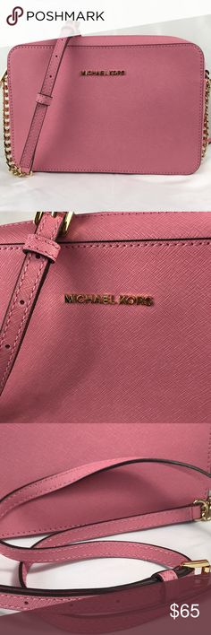 """Michael Kors Shoulder Crossbody Body Pre-owned: 100% authentic. This is an absolutely beautiful  and elegant bag. Style is crafted from Saffiano leather with a chunky chain-link strap.                                                  Color: Misty Rose.                                      Size: 9"""" W x 4"""" H 2"""" D                     Adjustable Strap: 23""""-25"""" Michael Kors Bags Crossbody Bags"""