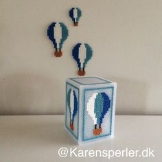 Den sødeste natlampe med luftballoner i Hama midi-perler - Hama Beads 3d, 3d Perler Bead, Hama Beads Design, Hama Beads Patterns, Box Patterns, Pearler Beads, Fuse Beads, Beading Patterns, Pixel Art