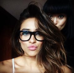 Shay Mitchell has the most wondrous volume And perfect balayage for her dark hair. Cool Hairstyles For Men, Pretty Hairstyles, Shay Mitchell Hair, Selfies, Hipster Glasses, Cool Hair Color, Hair Colour, Hair Images, Beauty Trends