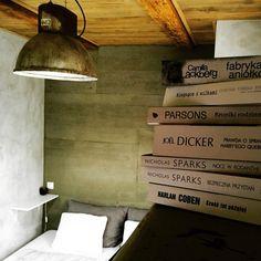 #room, #beton, #books, #lamp, #wood, #cute, #przechowalniamarzen, #guestrooms #home #dom #pokoj #wakacje #mikolajki #bistro #poland #jezioro #masuria #vacation #unterkunft #urlaub #natura #poland #las #spacer