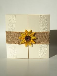 Burlap sunflower invitation / Rustic sunflower by ancamilchis