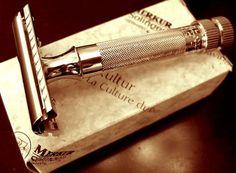 Rasierpinsel für eine edle und noble Rasur. Mit freundlicher Unterstützung von: www.flexhelp.de Social Media für Unternehmen