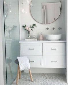 Best Ideas For White Bathroom Tile Designs 40 White Bathroom Tiles, Bathroom Tile Designs, Bathroom Renos, Laundry In Bathroom, Bathroom Interior Design, Downstairs Bathroom, Bathroom Vanities, Organized Bathroom, Mirror Bathroom
