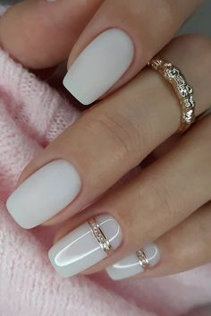 30 White Nail Designs Bridal Ideas Full Of Style white nail designs wedding minimalistic mette and gold weddingforward wedding bride weddingnails whitenaildesigns White Nail Designs, Nail Art Designs, White Nails With Design, Bridal Nails Designs, Natural Nail Designs, Elegant Nail Designs, Short Nail Designs, Belle Nails, White Manicure