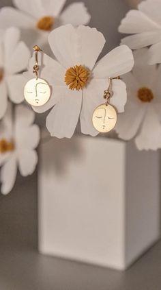 Face Earrings, Gold Earrings, Dremel, Earring Crafts, Brass, Copper, Jewelry Art, Place Cards, Place Card Holders