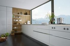 L-vormige keuken met kastenwand - Google zoeken