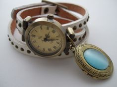 http://de.dawanda.com/product/45433026-Uhr-Wickelarmband-MEDAILLON