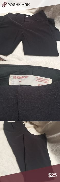👣👣Donating 3/5 👣👣 Like new dress pant-darkgrey No Boundaries, size 11 (Jr) dress pant. Worn very few times. No pockets (front or on the butt) fit very well, just outgrown them. Front button &sipper hidden. No Boundaries Pants