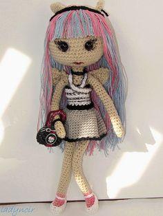 Monster High: Boneca de tricô da Rochelle Goyle.