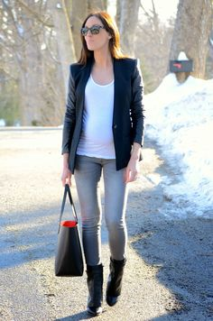 blazer + boots #pregnancystyle #bumpstyle #givenchy