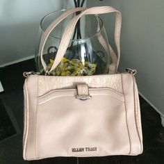Ellen Tracy crossbody cream bag Ellen Tracy crossbody cream bag Ellen Tracy Bags Crossbody Bags