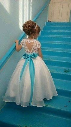 Gorgeous Dresses of Flower Girl will help to create your wedding day distinctive and memorable. So if you do not have any idea, look at this gallery of best flower girl lace dresses ideas that we have provided special for you. Cute Flower Girl Dresses, Lace Flower Girls, Little Girl Dresses, Girls Dresses, Prom Dresses, Wedding Dresses, Gown Wedding, Blue Wedding, Childrens Bridesmaid Dresses