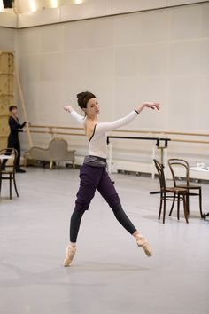 Lauren Cuthbertson in rehearsal for Strapless, The Royal Ballet © 2016 ROH. Photograph by Bill Cooper