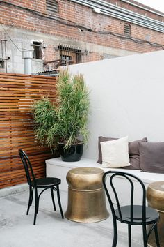 Outdoor Cafe Seating Modern Patio Ideas For 2019 Corner Seating, Cafe Seating, Restaurant Seating, Booth Seating, Banquette Seating, Floor Seating, Lounge Seating, Outdoor Seating, Seating Plans