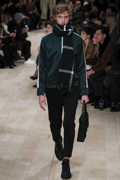 http://www.vogue.com/fashion-shows/fall-2016-menswear/burberry-prorsum/slideshow/collection