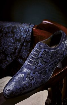 Living a Beautiful Life. Step out in these posh Carlo Pignatelli Cerimonia Shoes, 2016 Collection. Follow rickysturn/mens-fashion